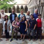 Un recuerdo fabuloso de Girona esta imagen del equipo de PlatCom con el antiguo claustro de fondo.